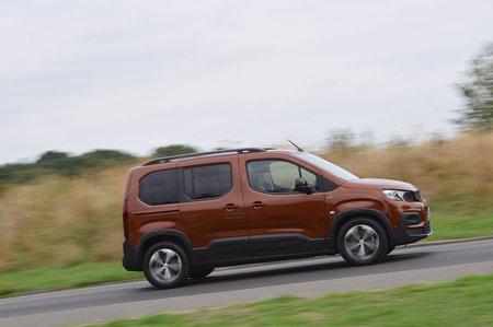 2018 Peugeot Rifter side