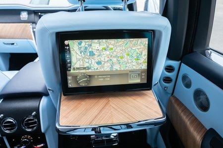Rolls-Royce Cullinan rear screen