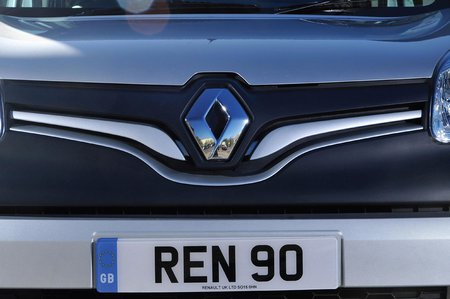 Renault Kangoo front badge detail