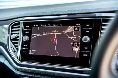 Volkswagen T-Roc 2018 infotainment