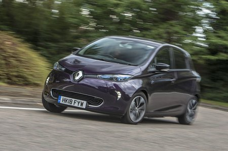 Renault Zoe 2019 wide cornering shot