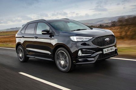 Ford Edge 2019 Front right tracking shot
