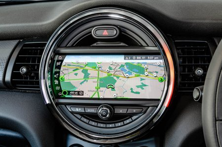 Mini Cooper 3dr 2019 infotainment