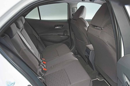 Toyota Corolla 2019 rear seats