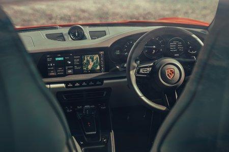 2019 Porsche 911 (992) dashboard