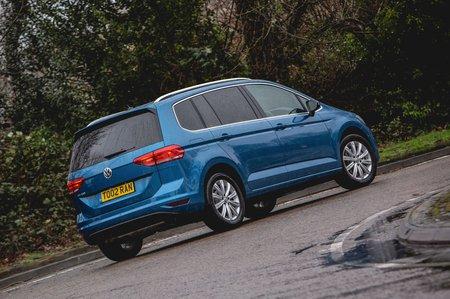 Volkswagen Touran 2019 rear cornering shot