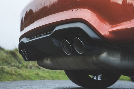 BMW M2 Competition 2019 exhaust detail