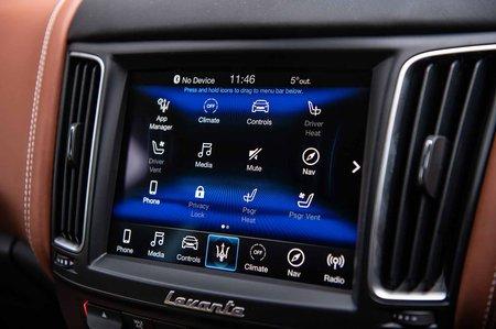 Maserati Levante 2019 RHD infotainment