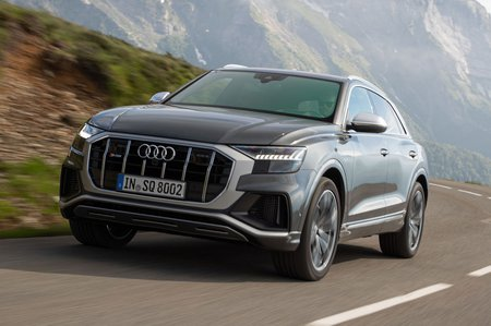 Audi SQ8 2019 front tracking shot