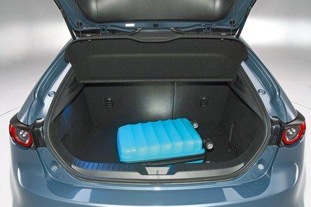 Mazda 3 boot
