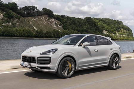 Porsche Cayenne Coupe 2019 LHD front tracking