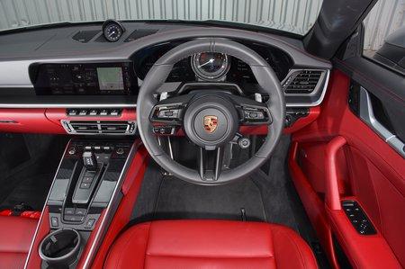 Porsche 911 2019 UK RHD dashboard
