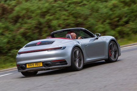 Porsche 911 2019 UK rear right tracking