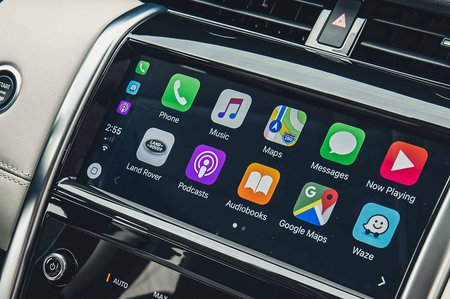 Land Rover Discovery Sport 2019 LHD infotainment