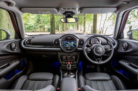 Mini Clubman 2019 RHD dashboard