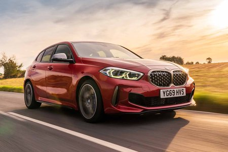 BMW M135i xDrive 2019 RHD press front tracking