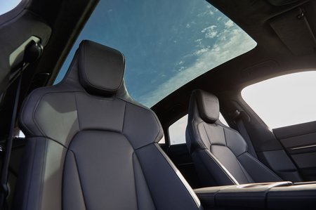 Porsche Taycan 2019 LHD panoramic roof