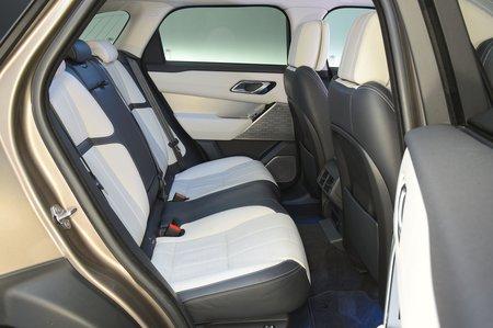 Land Rover Range Rover Velar 2017 RHD rear seats