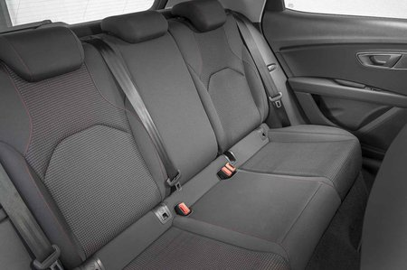 Seat Leon hatchback 2019 rear seats