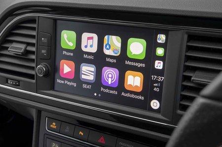 Seat Leon hatchback 2019 RHD infotainment
