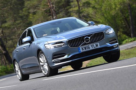 Volvo S90 D4 saloon front