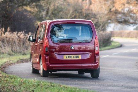 Vauxhall_Combo_Life rear