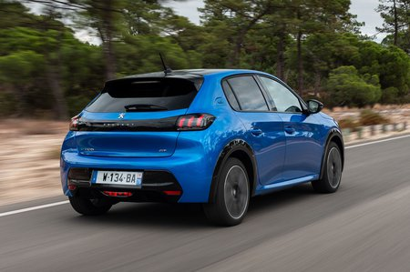 Peugeot e208 2019 LHD rear right tracking