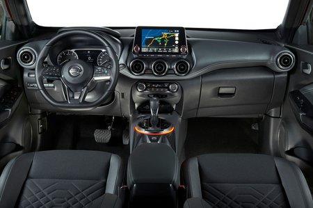 Nissan Juke 2019 LHD dashboard