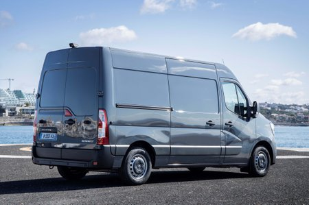 Renault Master side view