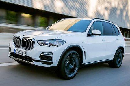 BMW X5 xDrive45e PHEV 2019 LHD front tracking