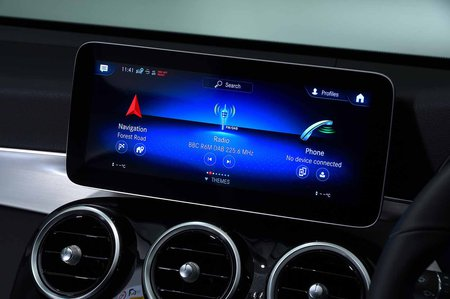 Mercedes-Benz GLC 2019 infotainment
