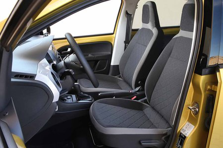 Volkswagen e-Up 2019 LHD front seats