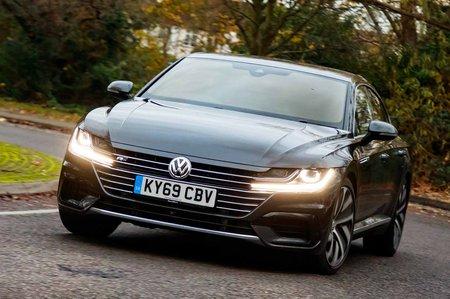 Volkswagen Arteon 2019 front left cornering RHD