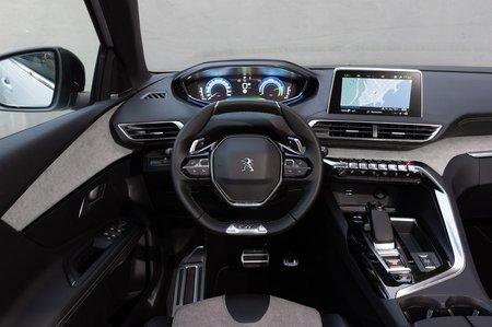 Peugeot 3008 Hybrid 2020 dashboard LHD