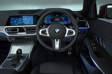 BMW 3 Series Saloon 2019 dashboard RHD