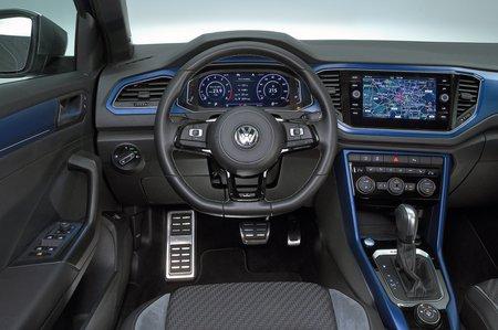 Volkswagen T-Roc R dashboard - blue LHD