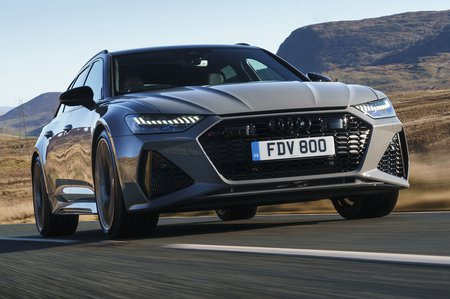 Audi RS6 Avant 2020 RHD press front tracking