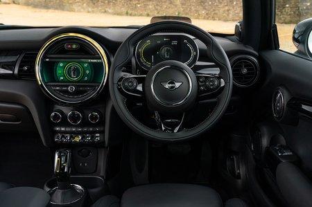 Mini Electric 2020 RHD dashboard
