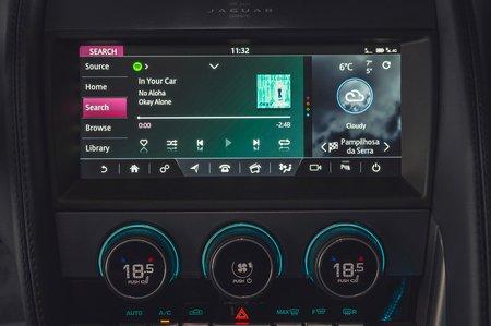 Jaguar F-Type Convertible 2020 LHD infotainment