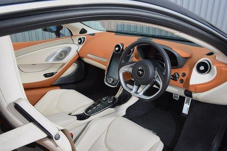 McLaren GT 2020 RHD dashboard