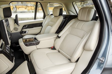 Range Rover P400e 2020 RHD rear seats