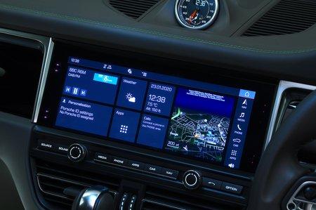 Porsche Macan S infotainment screen