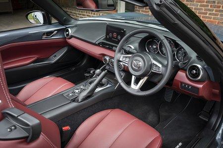 Mazda MX-5 2020 RHD seats