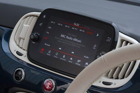 Fiat 500 2020 RHD infotainment
