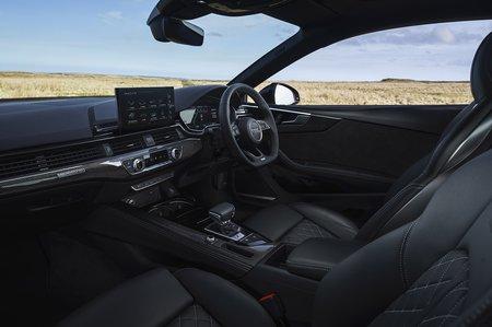 Audi S5 2020 front seats