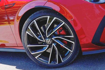2020 Volkswagen Golf GTI wheels