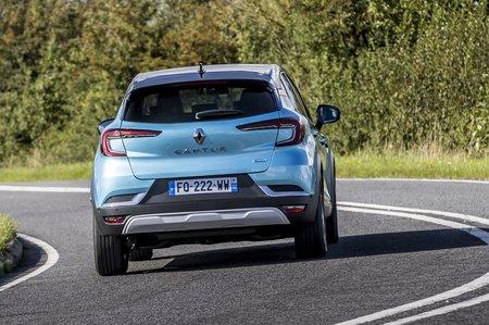 Renault Captur 2020 rear cornering