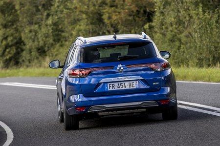 Renault Megane Sport Tourer 2020 rear tracking