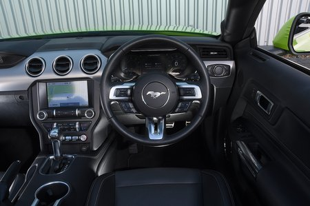Ford Mustang Convertible 2020 dashboard