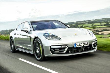 Porsche Panamera 2020 front tracking